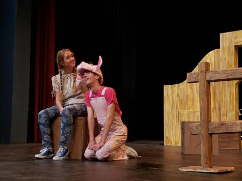 Katie King and Carson Skidmore as their characters Fern and Wilbur. Photo courtesy of Vivian Duncan.