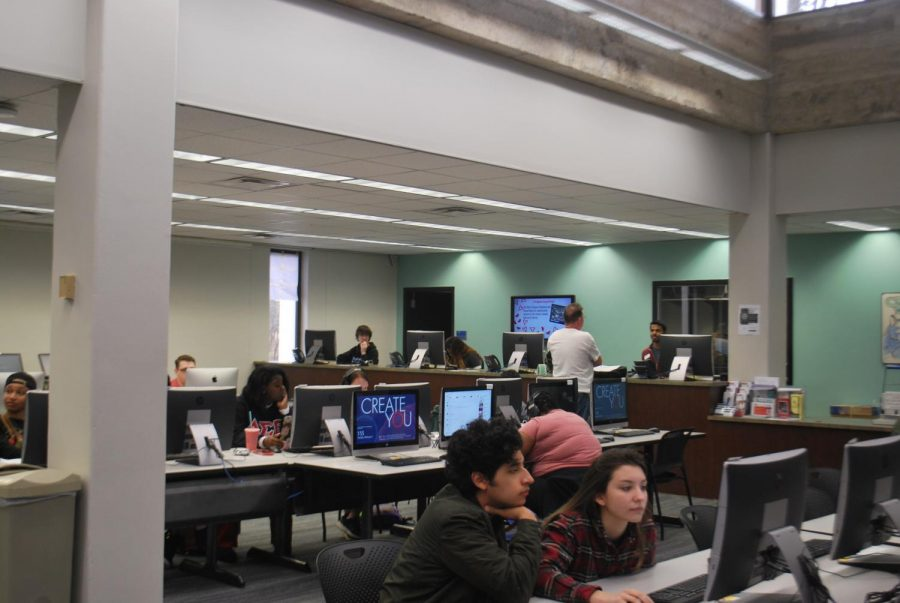 Students utilize the computers in the newly renovated library. Photos by Jessica DeMarco-Jacobson and Madi Steele.