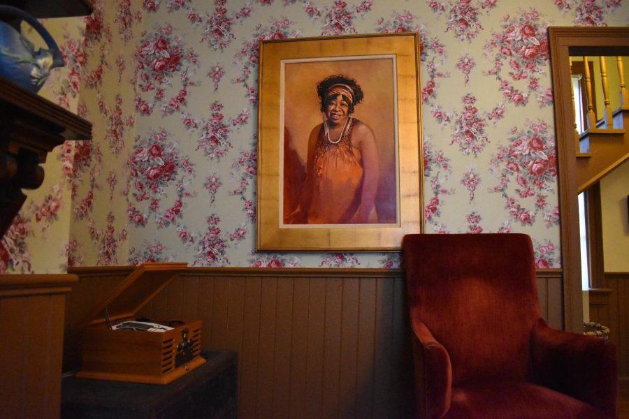 Portrait of Ma Rainey inside her home. Photo by Paige Adams.
